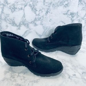 NEW Andrea Black Suede Lace Up Booties Size 6